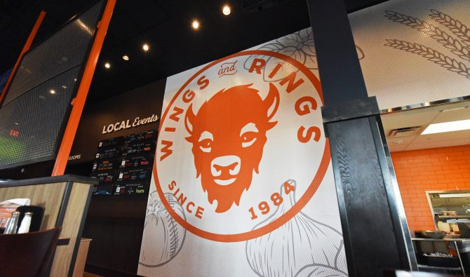 Manufacturing On-Trend Restaurant Décor for Buffalo Wings & Rings on a Budget